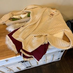 NWT- cream cardigan with braided back and pockets